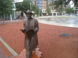 johnny-mercer-statue